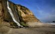 Falls to the ocean - scenery wallpaper