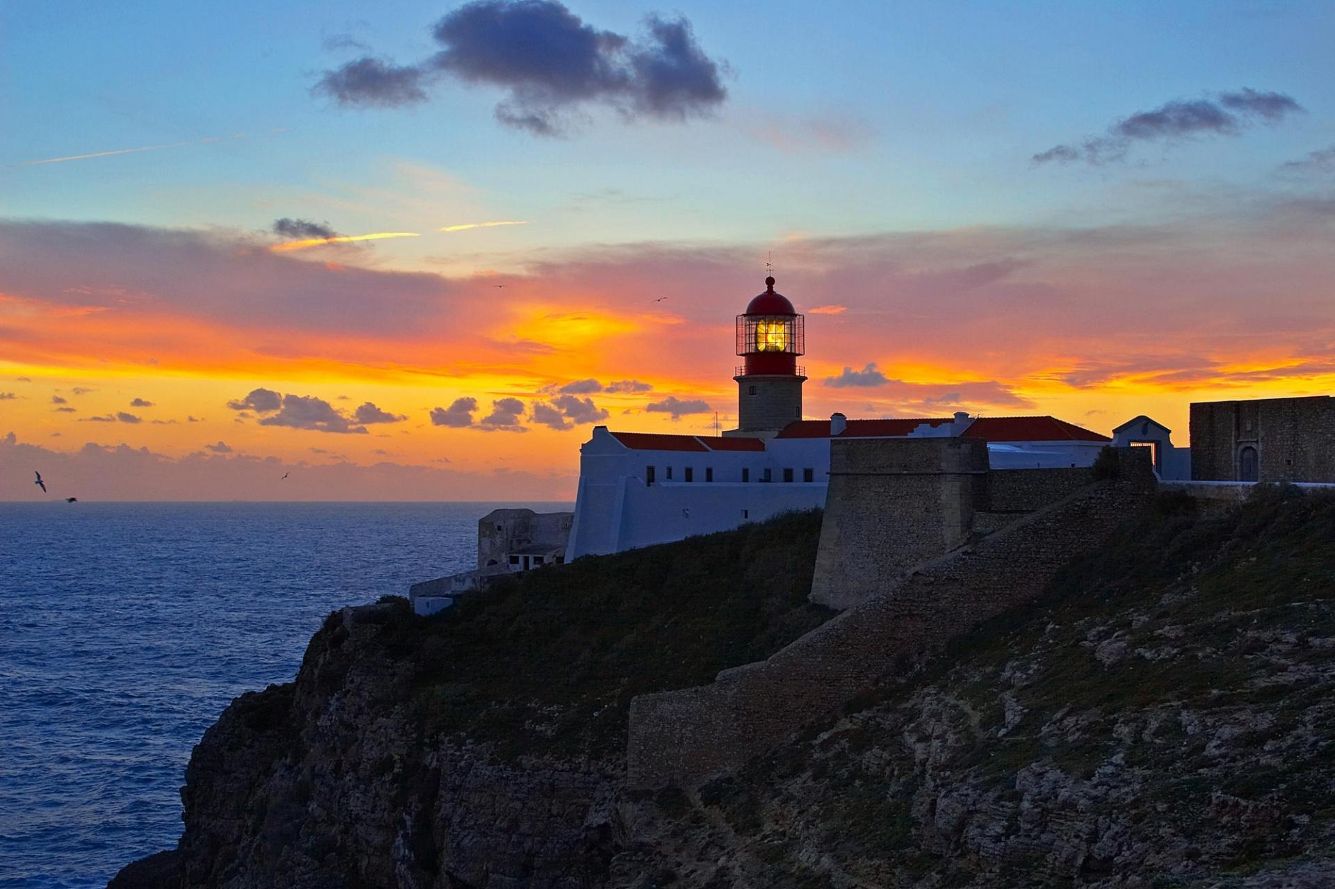 Lighthouse Screensaver, Lighthouse Desktop Screensavers - Lighting