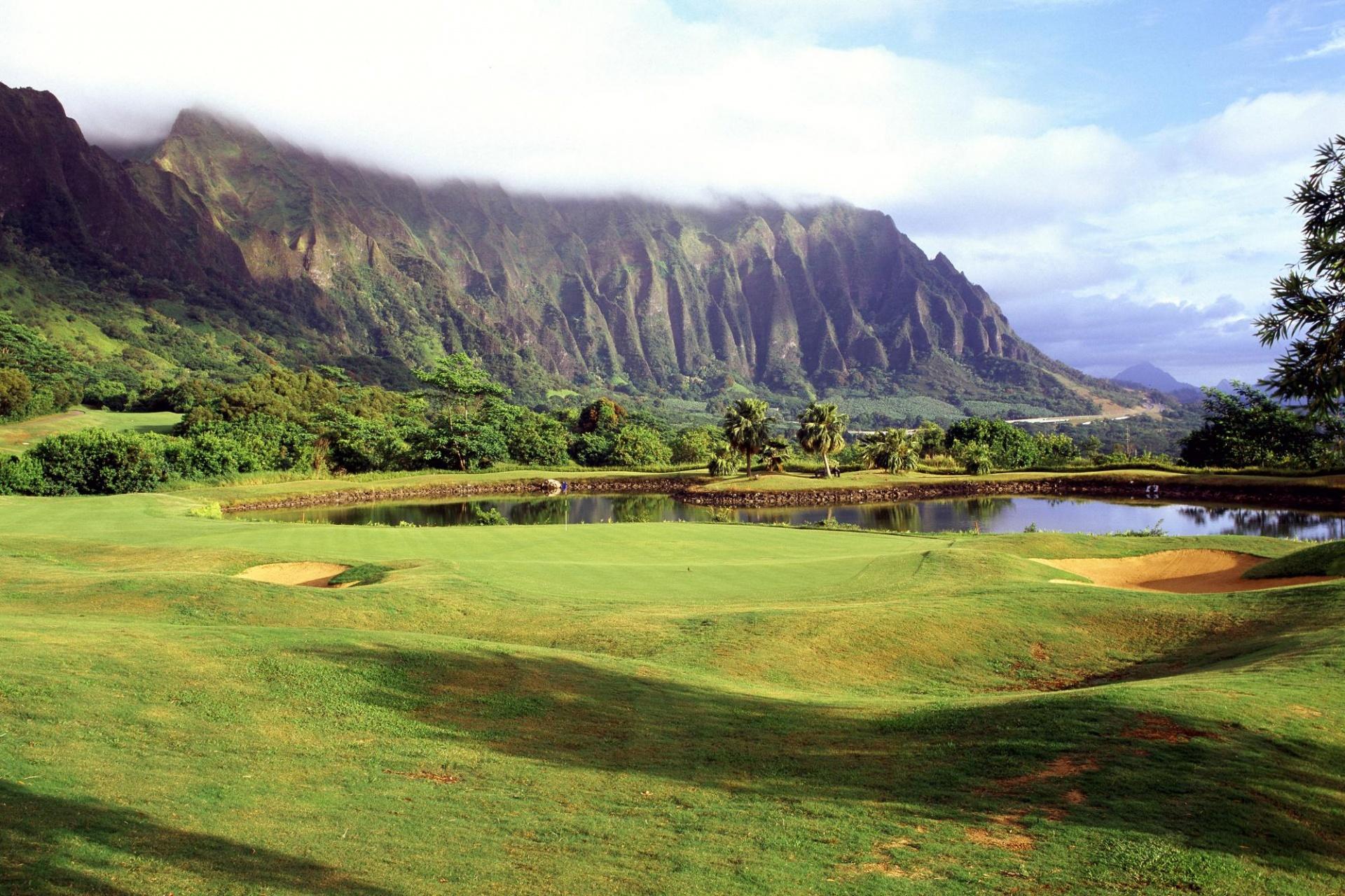 quiet golf course scenery wallpaper